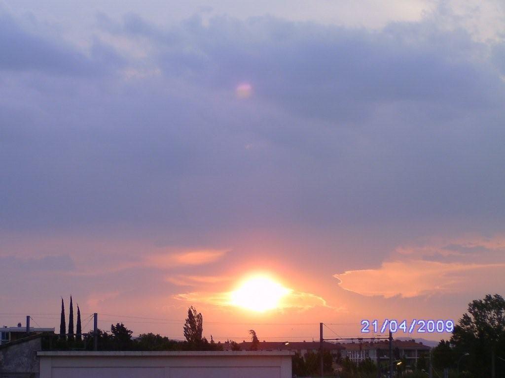 Coucher de soleil chez nous orange 84 vaucluse - A quelle heure le soleil se couche aujourd hui ...