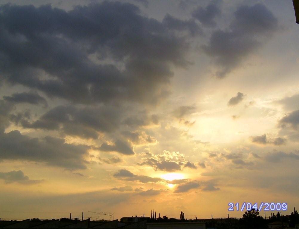 Coucher de soleil chez nous orange 84 vaucluse - A quelle heure se couche le soleil ce soir ...