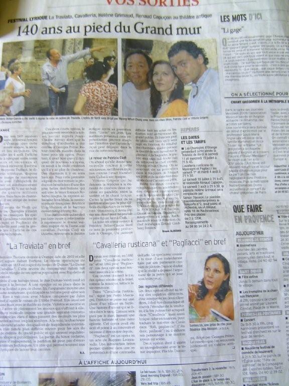 les chor gies d 39 orange article que j 39 ai photographi dans le journal vaucluse matin. Black Bedroom Furniture Sets. Home Design Ideas