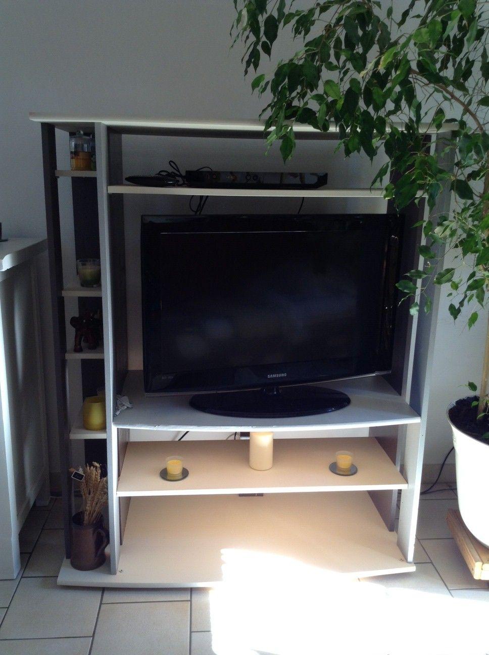 customisation d 39 un meuble tv. Black Bedroom Furniture Sets. Home Design Ideas