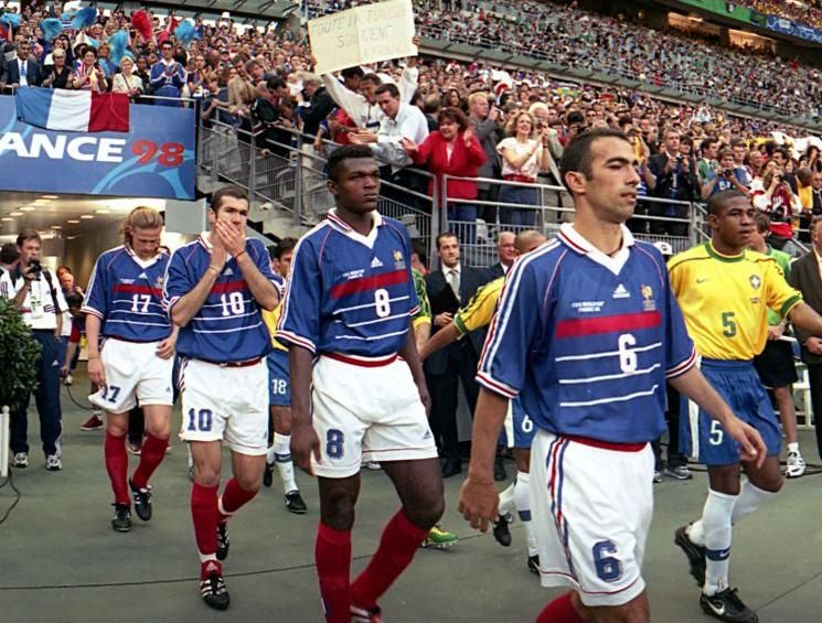 Coupe du monde 1998 avec cette chanson extraite du film les yeux dans les bleus - Coupe du monde 1998 chanson ...